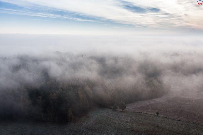 Warmia w okolicy Lidzbarka Warminskiego, 14.10.2016 r. Jesienny pejzaz zamglonej okolicy o poranku. EU, PL, Warm-Maz.. Lotnicze