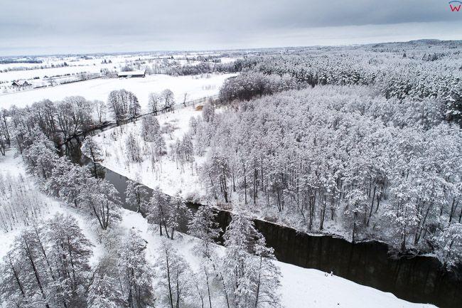 Laniewo, meandry rzeki Lyna w zimowej scenerii. EU, PL, warm-maz. Lotnicze.