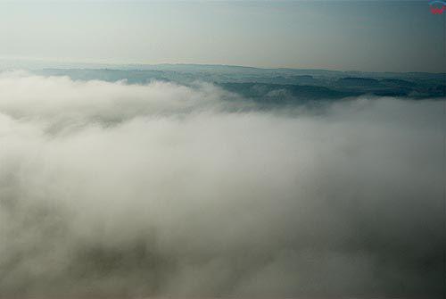 LOTNICZE. Warm-Maz, Chmury.