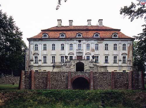 Pałac w Biedrzychowicach