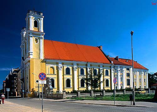 Glogow - kościół Bożego Ciała 040605 fot. Wojciech Wójcik