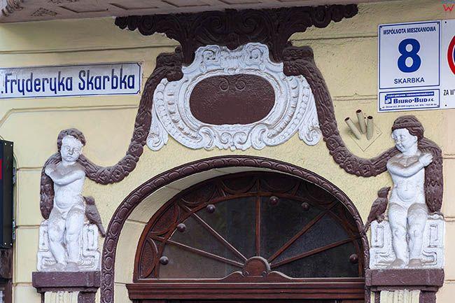 Legnica, detal architektoniczny na jednej z kamienic przy ulicy Fryderyka skarbka. EU, Pl, Dolnoslaskie.