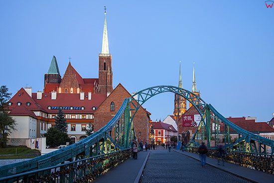 Wroclaw, panorama przez Most Tumski na Ostrow Tumski. EU, Pl, Dolnoslaskie.
