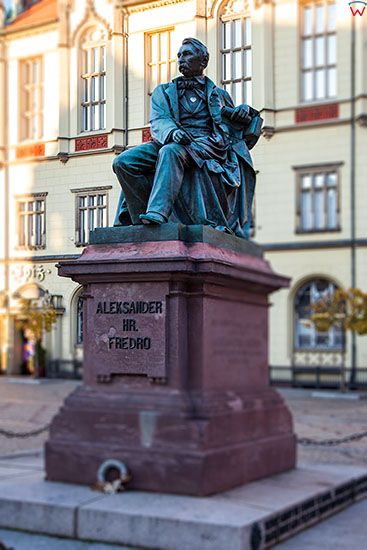Wroclaw, Pomnik Aleksandra hr. Fredry na Rynku. EU, PL, Dolnoslaskie.