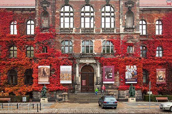 Wroclaw Fasada Budynku Muzeum Narodowego Eu Pl Dolnoslaskie