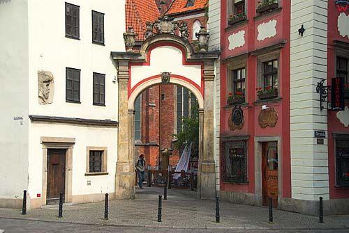 Dolnoslaskie. Wroclaw, Fasada kamienic Jas i Malgosia.
