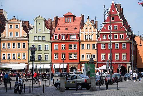 Dolnoslaskie. Wroclaw, kamienice przy Placu Solnym.