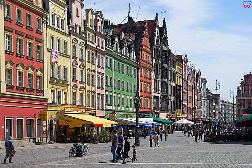 Dolnoslaskie. Wroclaw, polnocna strona rynku.