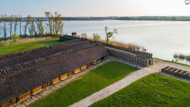 Biskupin, Muzeum Archeologiczne - osada obronna