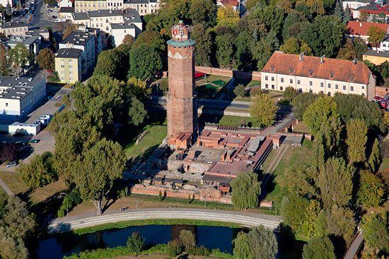 Lotnicze, EU, PL, Kujawslo - Pomorskie. Panorama na ruiny zamku w Brodnicy.
