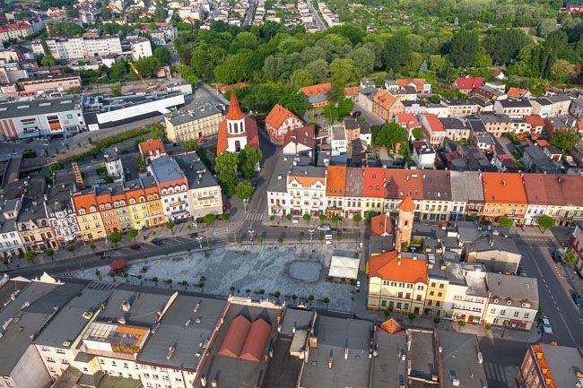 Brodnica, stare miasto z Duzym Rynkiem. EU, PL, Kujaw-Pom. Lotnicze.