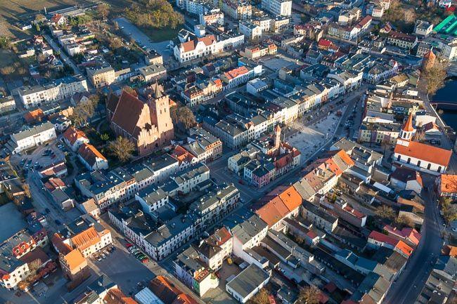 Brodnica, panorama na centrum starego miasta. EU, PL, Kujawsko - Pomorskie. Lotnicze
