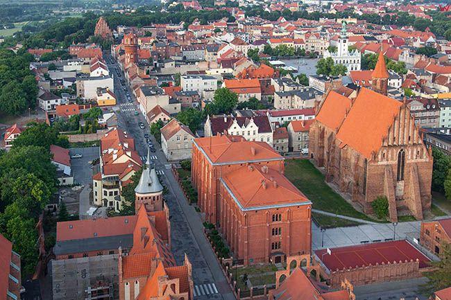Chelno, okolica ulicy Dominikanskiej. EU, Pl, Kujawsko-Pomorskie. Lotnicze.