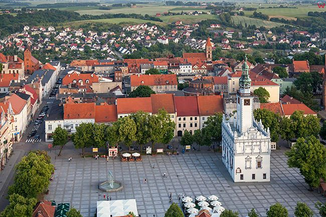 Chelno, Rynek miejski z Ratuszem. EU, Pl, Kujawsko-Pomorskie. Lotnicze.
