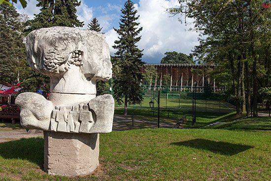 Ciechocinek, pomnik w parku tezniowym. EU, PL, Kujawsko-Pomorskie.