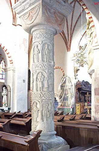 Kolumny Kościóła św. Trójcy w Strzelnie