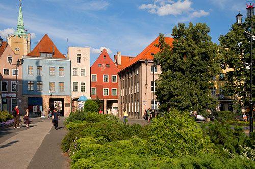 Polska, kujawsko-pom, Torun. Kamienice przy placu Rapackiego.