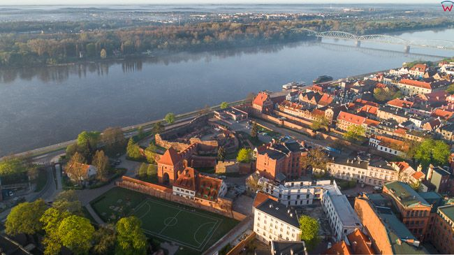 Torun, Torun, panorama na Nowe i Sare Miasto. EU, PL, kujawsko-pomorskie. Lotnicze