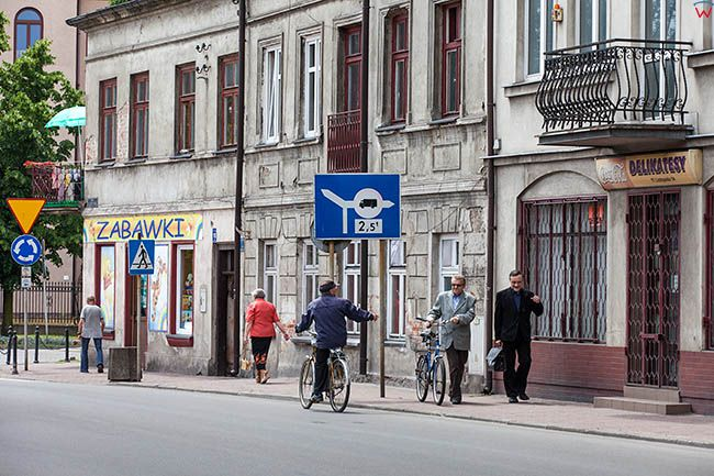 Lowicz, kamienice przy ulicy 11-go Listopada. EU, PL, Lodzkie.