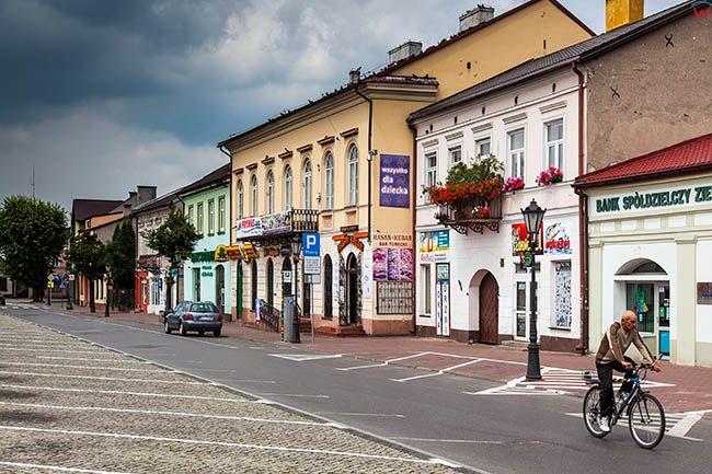 Lowicz, kamienice przy Nowym Rynku. EU, PL, Lodzkie.