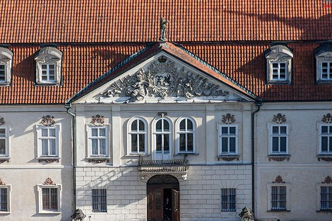 Nieborow, Palac Radziwilow - muzeum, elewacja frontowa. EU, PL, Lodzkie. Lotnicze.