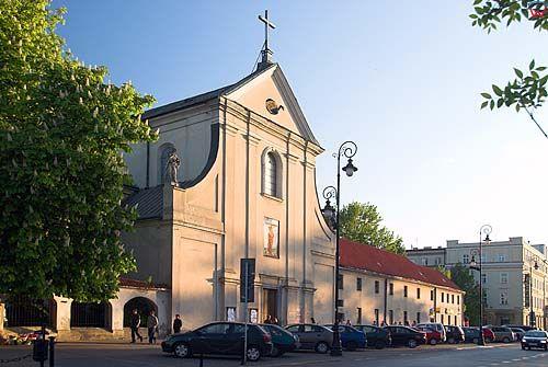 Lubelskie. Lublin, kosciol Ojcow Kapucynow pw. sw. Apostolow Piotra i Pawla.