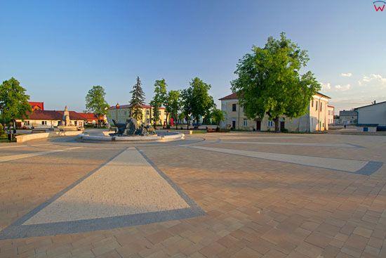 Plac Wyzwolenia w Jozefowie. EU, Pl, Lubelskie.