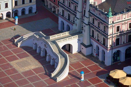 Zamosc - Rynek Wielki z Ratuszem. EU, PL, Lubelskie. LOTNICZE.