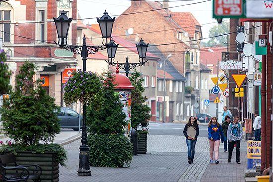 Swiebodzin, mieszkancy na ulicach miasta. EU, Pl, Lubuskie.