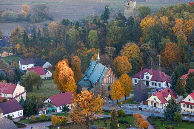 Czchow, panorama na centrum miasta. EU, Pl, Malopolskie. Lotnicze.