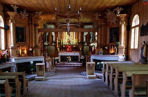 Zakopane. Wnętrze kościoła na Peksowym Brzysku