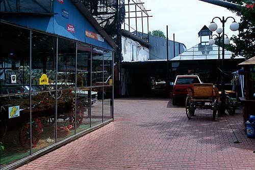 Muzeum motoryzacji w Otrębusach