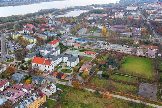 Plock, okolica starego miasta z kosciolem sw. Jana Chrzciciela. EU, Pl, Mazowieckie. LOTNICZE.