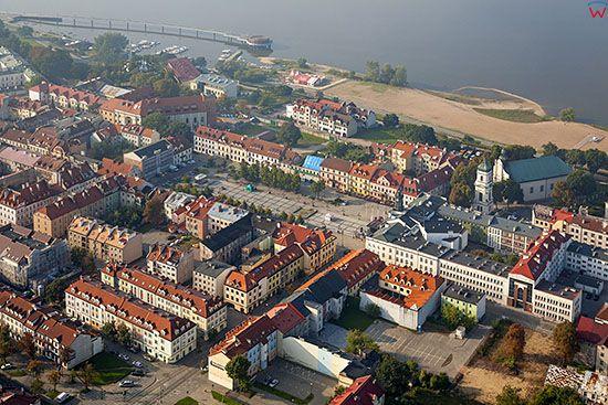 Plock, panorama na Stare Miasto od strony NE. EU, PL, Mazowieckie. Lotnicze.