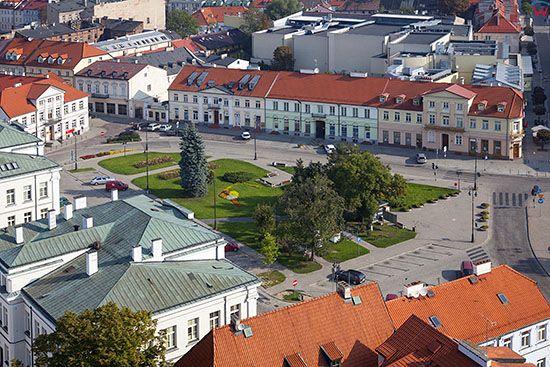 Plock, panorama na Plac Gabriela Narutowicza. EU, PL, Mazowieckie. Lotnicze.