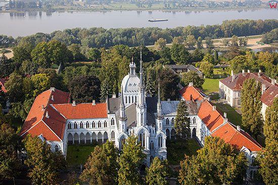 Plock, Swiatynia Milosierdzia i Milosci – katedra mariawicka. EU, PL, Mazowieckie. Lotnicze.