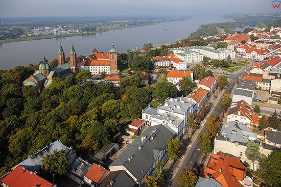 Plock, panorama na stara czesc miasta. EU, PL, Mazowieckie. Lotnicze.