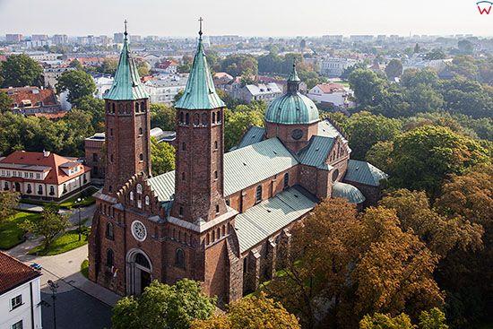 Plock, Bazylika Katedralna NMP. EU, PL, Mazowieckie. Lotnicze.