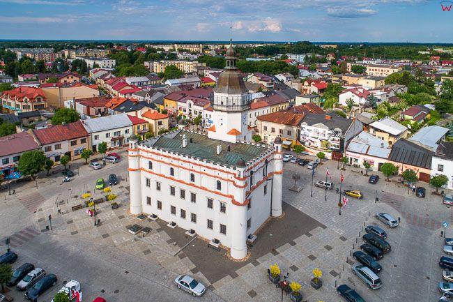 Szydlowiec, 22.05.2018 r. rynek z ratuszem. EU, PL, Mazowieckie. Lotnicze.