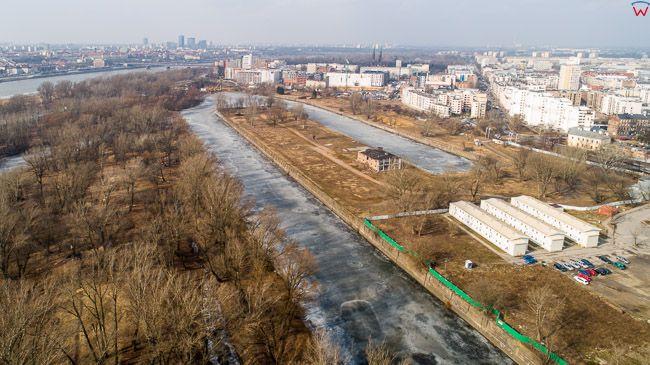 Warszawa, Port Praski zimowa pora. EU, PL, mazowieckie. Lotnicze.