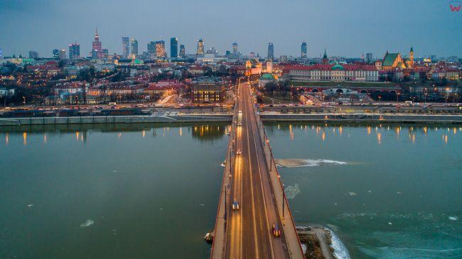 Warszawa, most Slasko - Dabrowski z panorama na Stare Miasto i Srodmiescie. EU, PL, mazowieckie. Lotnicze.