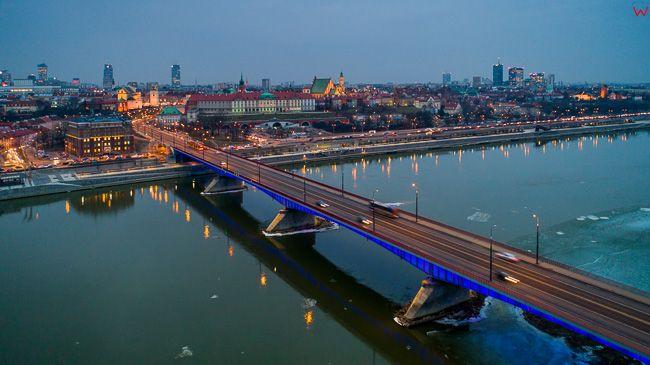 Warszawa, most Slasko - Dabrowski z panorama na Stare Miasto. EU, PL, mazowieckie. Lotnicze.
