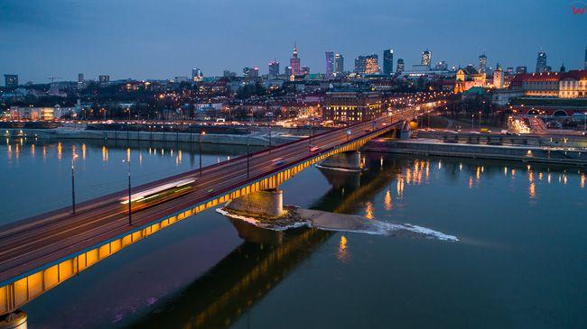 Warszawa, most Slasko - Dabrowski z panorama na Srodmiescie. EU, PL, mazowieckie. Lotnicze.