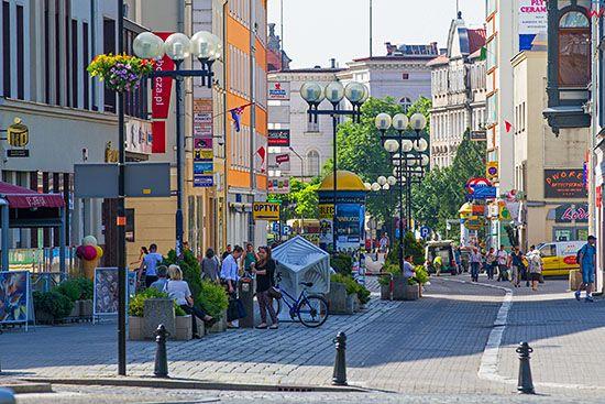 Opole, panorama na Aleje Krakowska. EU, PL, Opolskie.