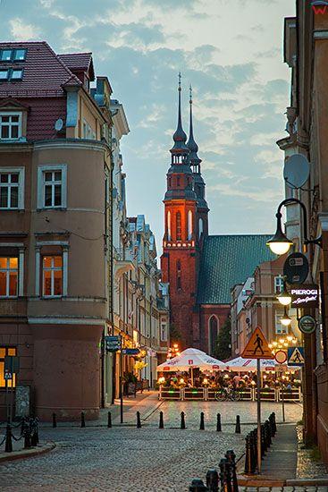 Opole, panorama na Katedre przez Rynek. EU, PL, Opolskie.