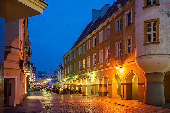 Opole, podcienia przy ulicy Krakowskiej. EU, PL, Opolskie.