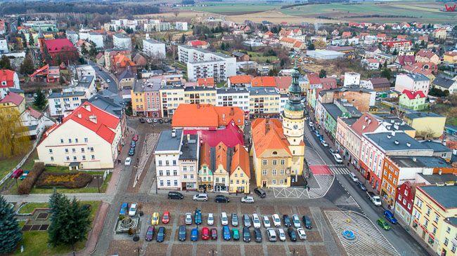 Otmuchow, rynek z ratuszem. EU, Pl, opolskie. Lotnicze.
