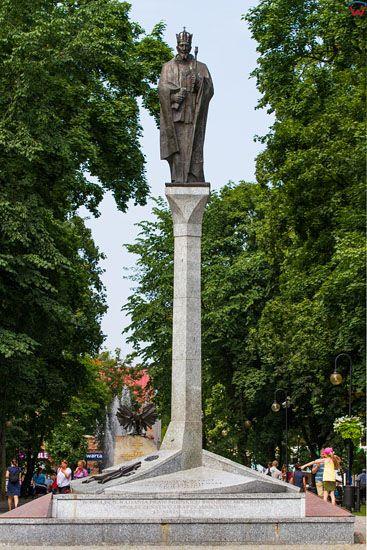 Augustow. Pomnik Zygmunta Augusta na Rynku. EU, PL, Podlaskie.