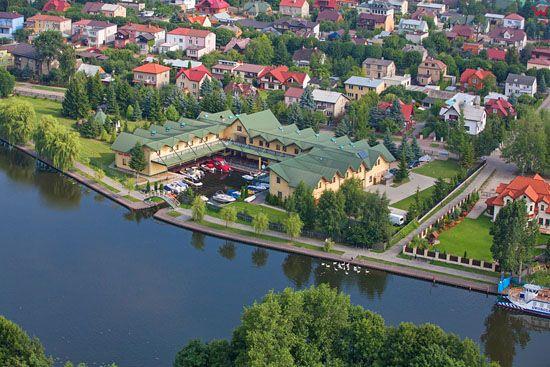 Augustow,  rzeka Netta na wysokosci ulicy Portowej. EU, PL, Podlaskie. Lotnicze.