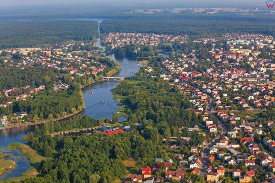 Augustow, panorama na miasto od str. NW. EU, PL, Podlaskie. Lotnicze.